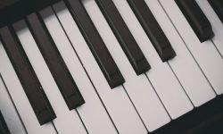 Piano unessa: Unien selitykset ja tulkinta